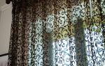 Тюль сетка: с вышивкой, в полоску, цветная, примеры и фото в интерьере