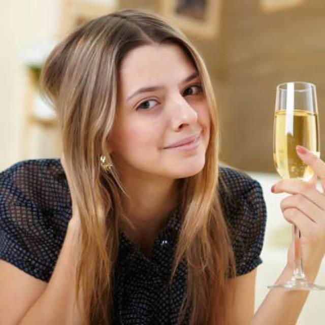 Ведро для шампанского, охлаждающее напиток: как называется, как выбрать