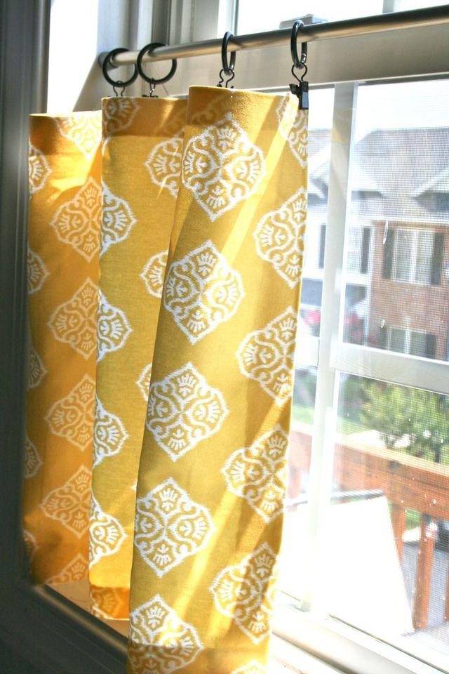 Как красиво повесить тюль: можно ли без карниза, со шторой на одной штанге