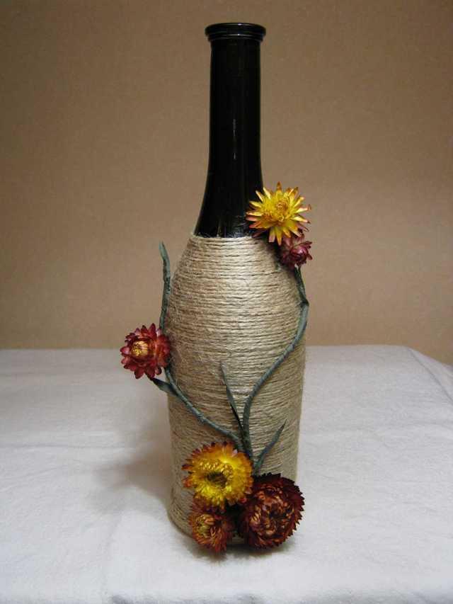 Декор бутылок и другой стеклянной тары, техника шпагатом, тканью, лентами, нитками