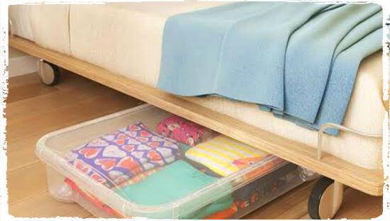 Как хранить постельное белье в шкафу: способы и правила