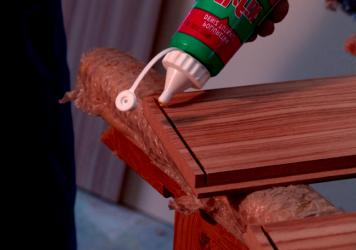 Как и чем правильно склеить деревянный стул в домашних условиях.