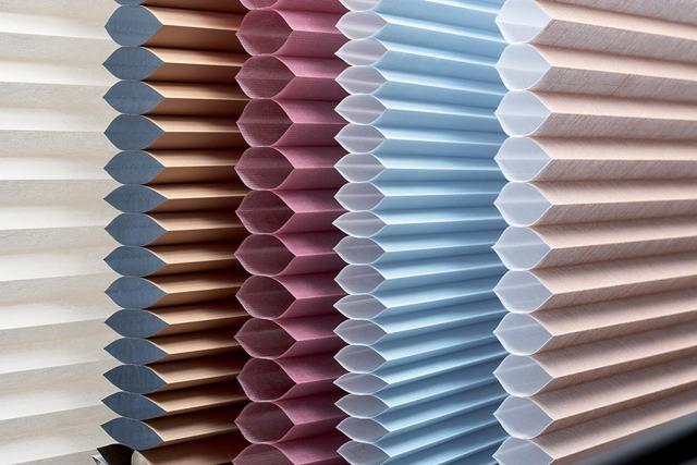 Тюль в интерьере: какой в моде, цветной, плиссе, кружевной и гофрированный