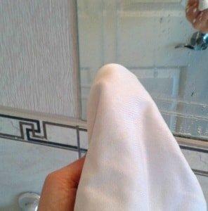 Чистка зеркал: моем зеркало без разводов в домашних условиях