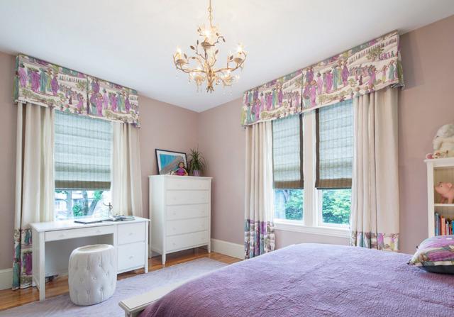Шторы с ламбрекеном в спальню: тюль, фото красивых штор, новинки дизайна