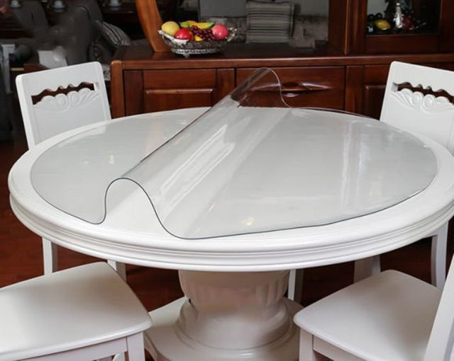 Скатерть из силикона для обеденного стола: прозрачная с бахромой, на овальный и круглый стол, для каких столешниц подойдёт
