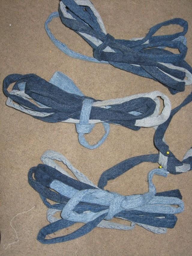 Как сшить коврик из старых джинсов своими руками: используем джинсовые полоски и лоскуты