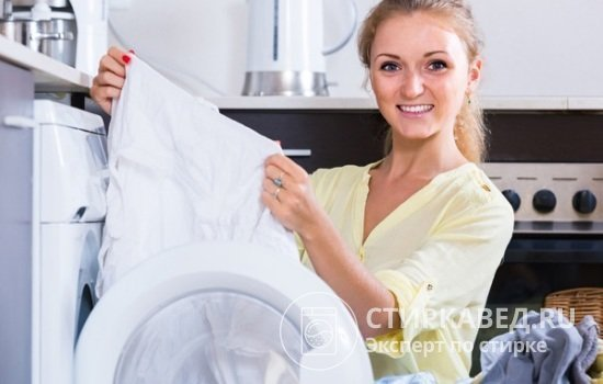 Как постирать тюль в машинке автомат, чтобы она стала белой: режим и температура