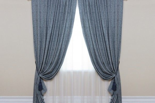 Жаккардовые шторы: портьеры и тюль, лучшие примеры и фото в интерьере