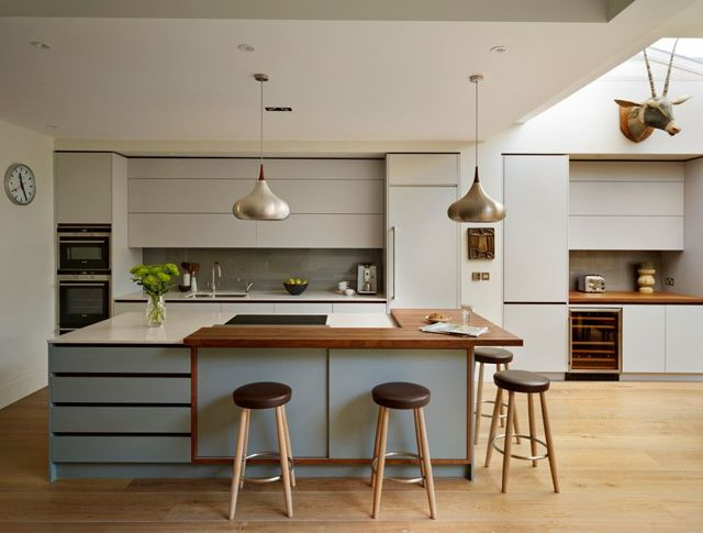 Мебель цвета орех в декорировании спальни, кухни и гостиной