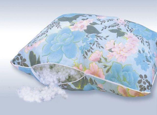 Наполнитель из холлофайбера для подушки: особенности, плюсы и минусы