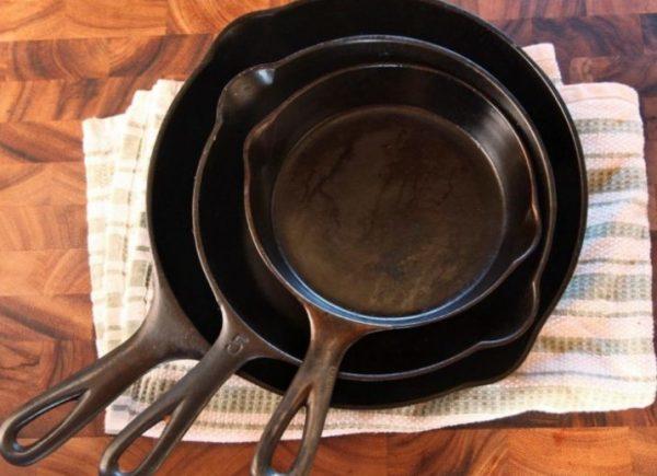Как подготовить к работе новую сковородку перед первым использованием: как прокалить соль, инструкция, уход, как мыть