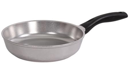 Как измеряется диаметр сковороды —по дну или по верху: какие бывают размеры, обозначения совместимости с плитами, как узнать диаметр