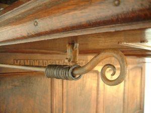 Виды карнизов для штор: фото с описанием, крепление к стене