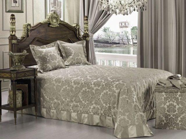 Комплект шторы и покрывало: готовые для спальни, красивые новинки, фото