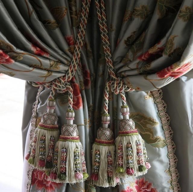 Шторы и аксессуары для штор: описание фурнитуры, бордюры, крючки, заколки