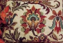 Вышивка подушек крестиком: подборка схем для вышивания, примеры