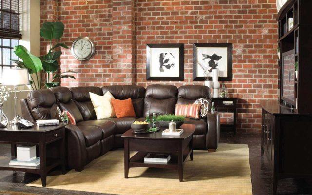 Коричневый диван в интерьере гостиной: роскошь и натуральность