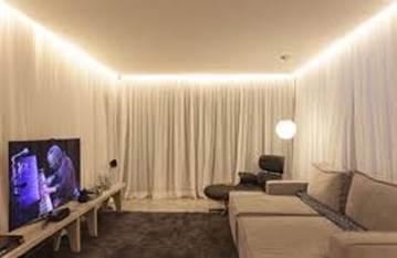 Ночник на шторы: варианты светодиодной подсветки, карниз и гардина с подсветкой