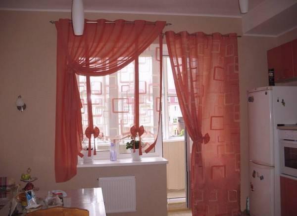 Шторы на окно с балконной дверью: варианты для зала, гостиной, спальни
