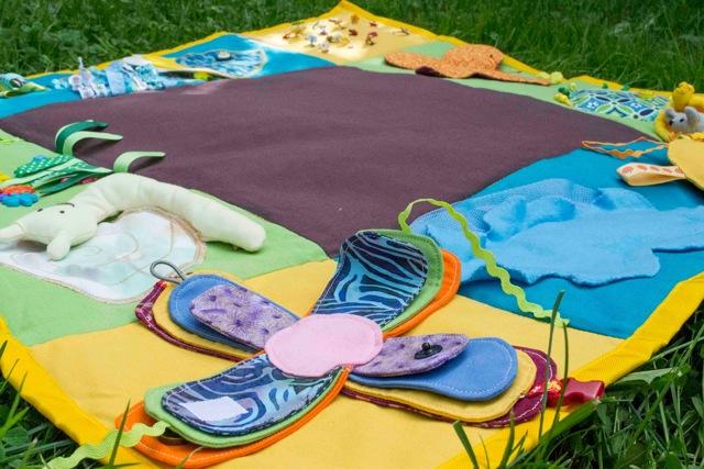 Как сделать детский развивающий коврик своими руками из ткани выкройки?