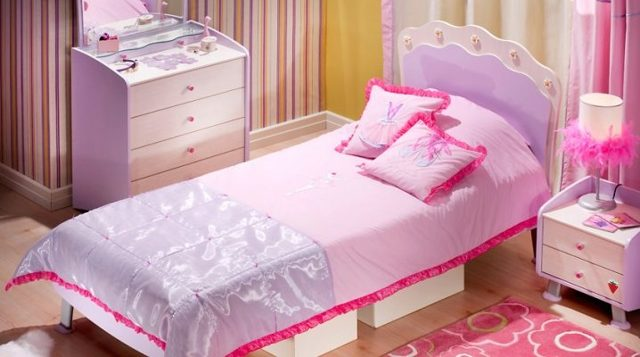 Детское покрывало для кровати мальчика: выбор ткани для дизайна комнаты