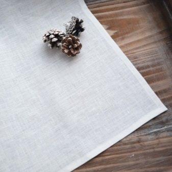 Оригами из салфеток: фигурки на стол, инструкция изготовления цветов