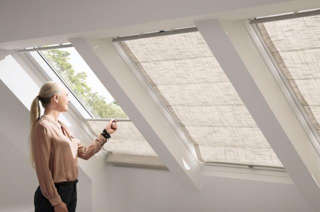 Шторы на мансардные окна со скошенным потолком: идеи как повесить, фото