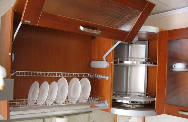 Сушилка для посуды, встроенная в кухонный шкаф. Выбор и советы.
