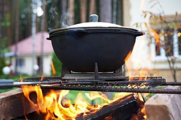 Как обжечь новый казан чугунный (чугунный и алюминиевый): смысл обжига, как правильно, подготовка к первому использованию на костре, обработка