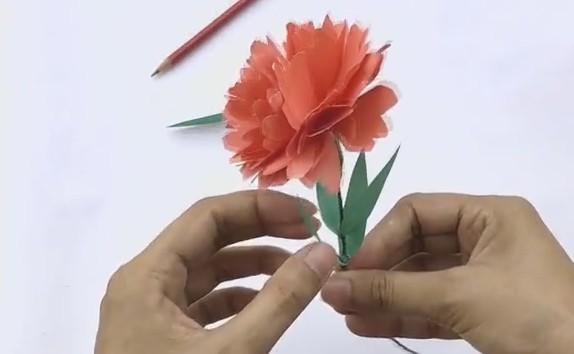 Гвоздики из салфеток: поэтапный процесс изготовления аппликации для детей