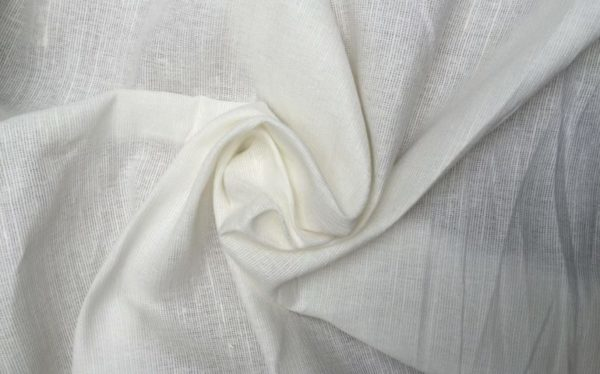 Как постирать тюль, чтобы она была белоснежной: народные средства и советы