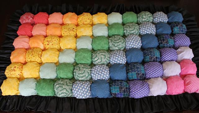 Как сделать массажный коврик с пуговицами для детей своими руками?