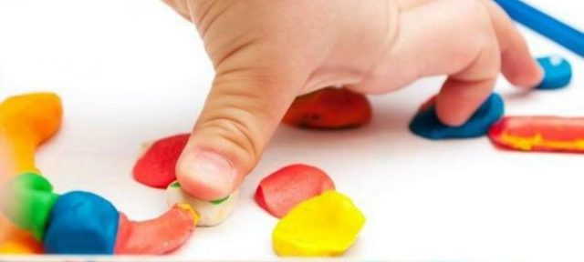 Как убрать пластилин с ковра в домашних условиях: способы очистки и удаления
