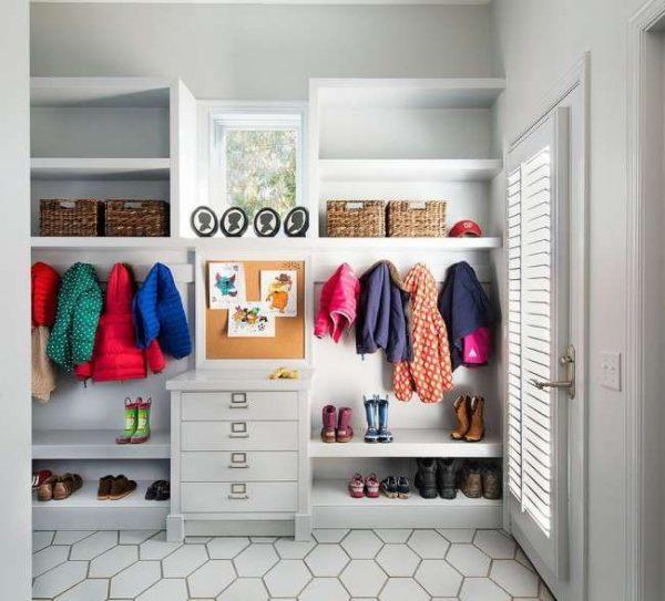 Прихожие для узких коридоров: выбираем мебель и дизайн интерьера