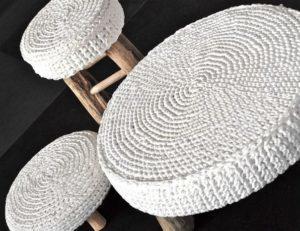 Вязание крючком накидки на стулья и табурет: руководство для начинающих