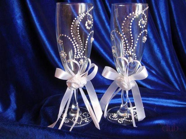 Украшение бокалов: как украсить для напитков, как приклеить кружево к бокалу, украшение фужеров стразами