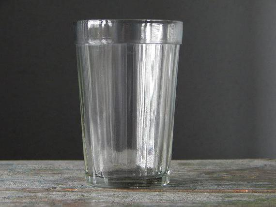 Граненый стакан: что значит, история создания, емкость и размеры