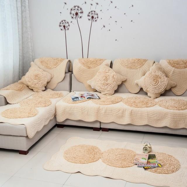 Покрывало на диван в гостиную: как сделать правильный выбор?
