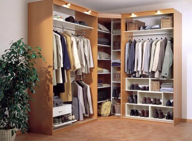 Используем шкаф-купе как полноценный гардероб