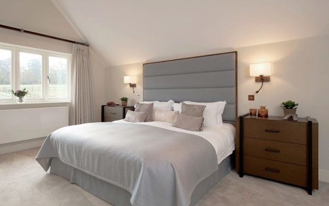 Светильники бра над кроватью в спальне: Виды и расположение