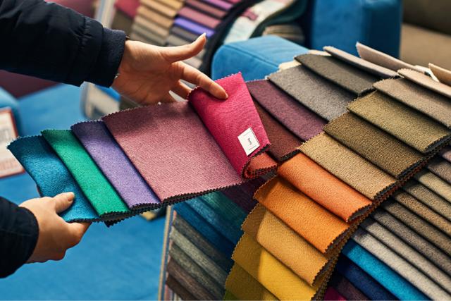 Диваны в интерьере: советы по выбору цвета к интерьеру