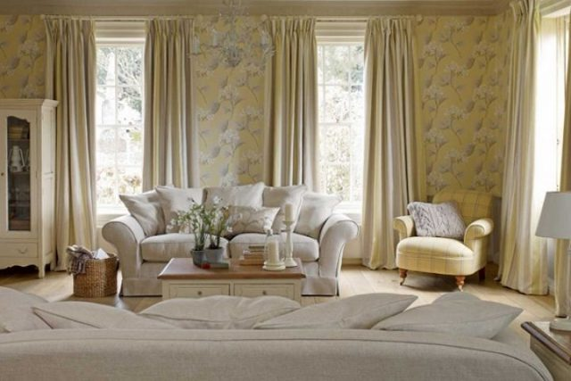 Красивые шторы в гостиную в стиле современная классика: фото в интерьере