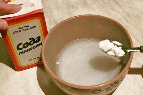 Как отмыть пригоревшую эмалированную кастрюлю внутри и снаружи в домашних условиях: как очистить от пригара и пригоревшей пищи и молока, полезные советы