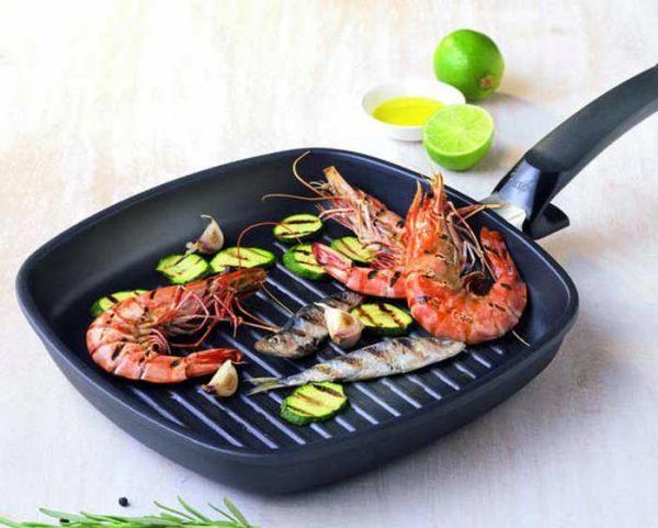 Сковорода для жарки без масла: как называется антипригарная сковородка, на какой можно жарить, какое покрытие лучше