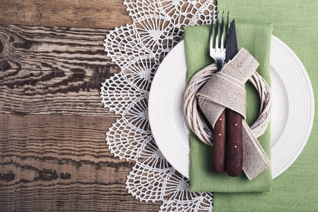 Как накрахмалить салфетку связанную крючком в домашних условиях?