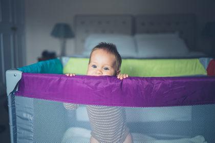 Как выбрать кроватку для новорождённого малыша. Советы, фото.