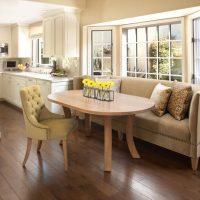 Современные диваны в интерьере дома: Лучшие идеи, фото, советы.