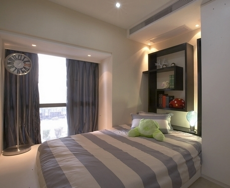 Варианты полок над кроватью, типы крепления, цветовые вариации
